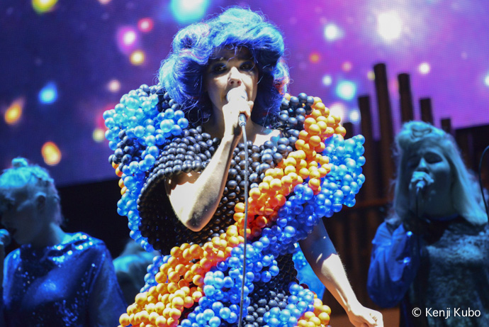 BJORK | FUJI ROCK FESTIVAL'13 | Photo by Kenji Kubo