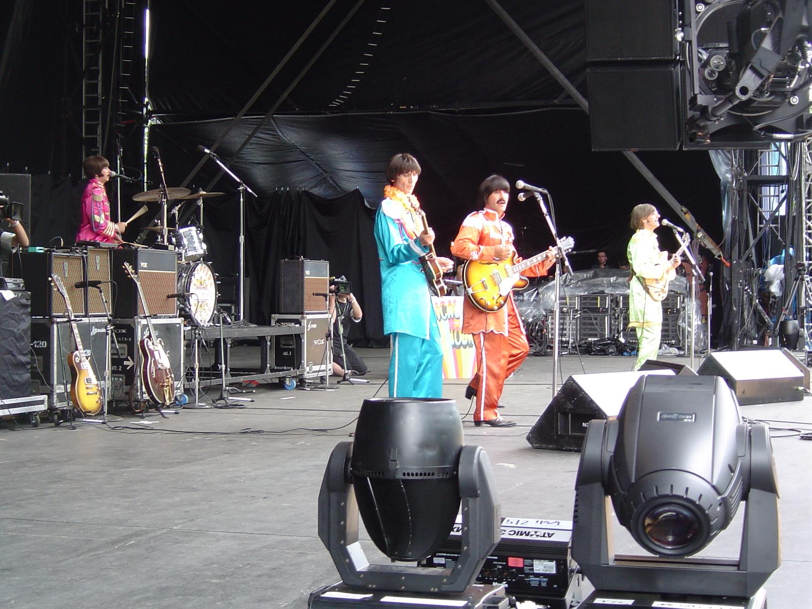 FUJI ROCK FESTIVAL'03 (via)